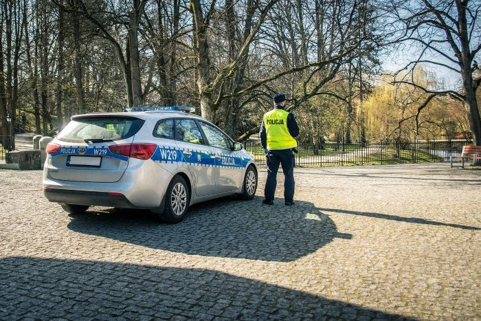 Policja Jastrzębie-Zdrój: Trafiła za kraty w związku z brakiem opieki nad dzieckiem